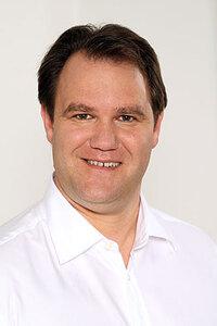 Dr. med.  Berthold E. Liebig M.Sc. (Implantologie)